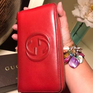 Gucci Bags - 🔥 SALE 💕Authentic Gucci Zippy Soho - Red Wallet